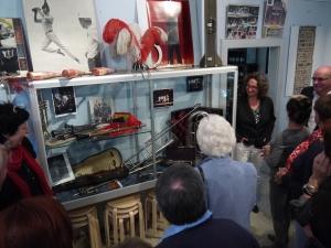 Besichtigung der Ausstellungsstücke